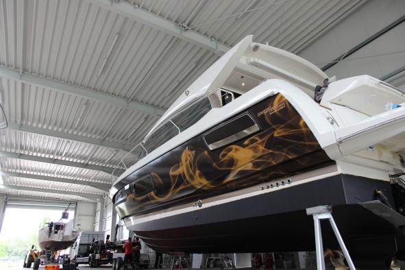 Bild: Prestige 450 Boot folieren Boat wrapping