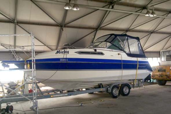 Pflege und Reparatur Boot folieren boat wrapping Bootfolierung